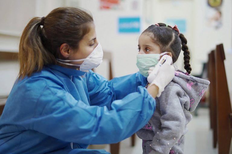 Trẻ em mắc COVID-19 chỉ cần điều trị hỗ trợ tại nhà